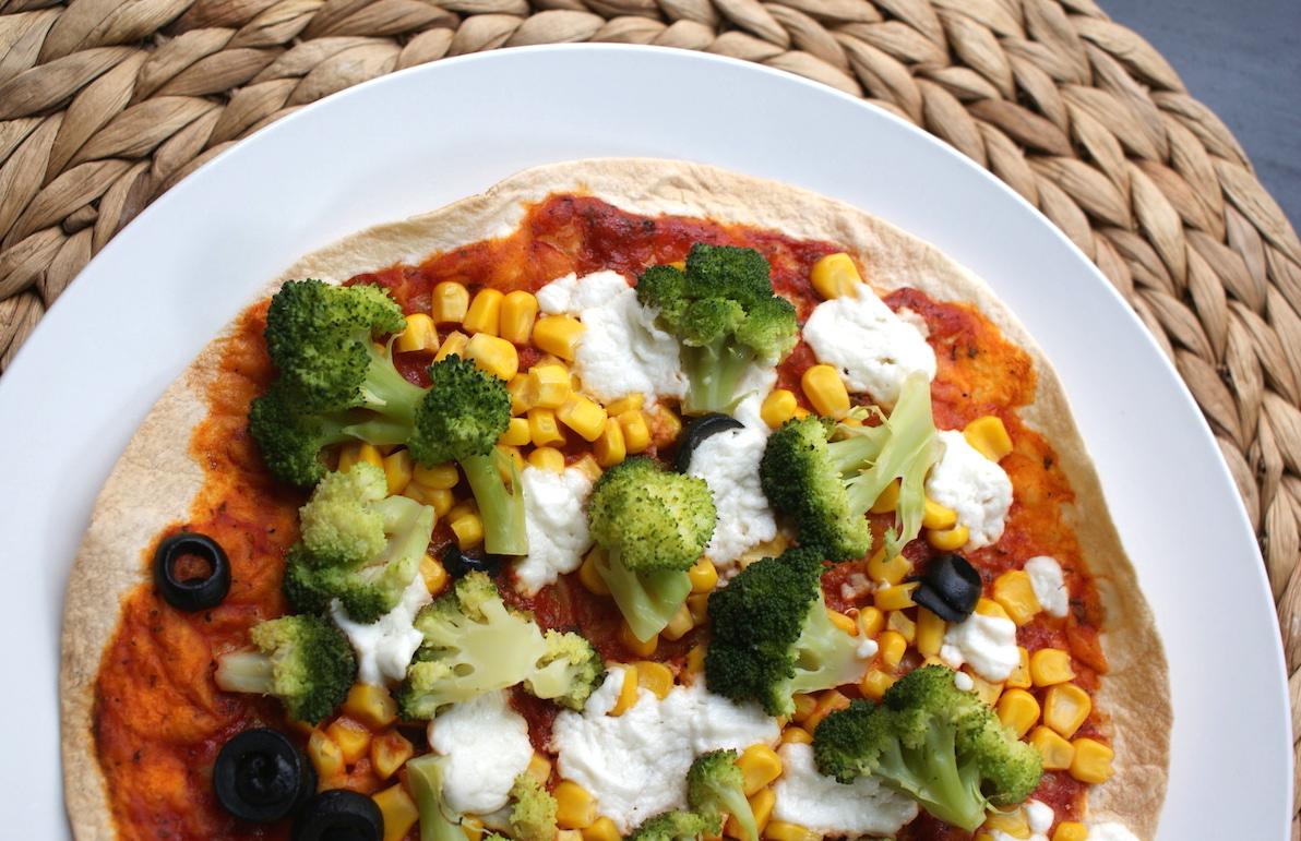 Tortilla pizza met broccoli en geitenkaas EEFSFOOD