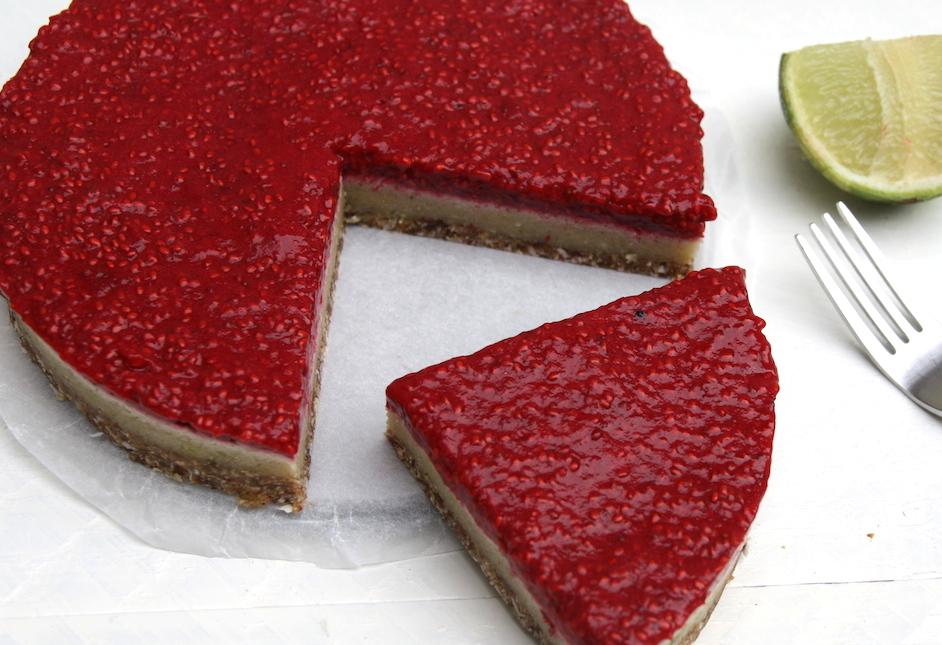 Vegan en raw aardbei limoen taartje EEFSFOOD