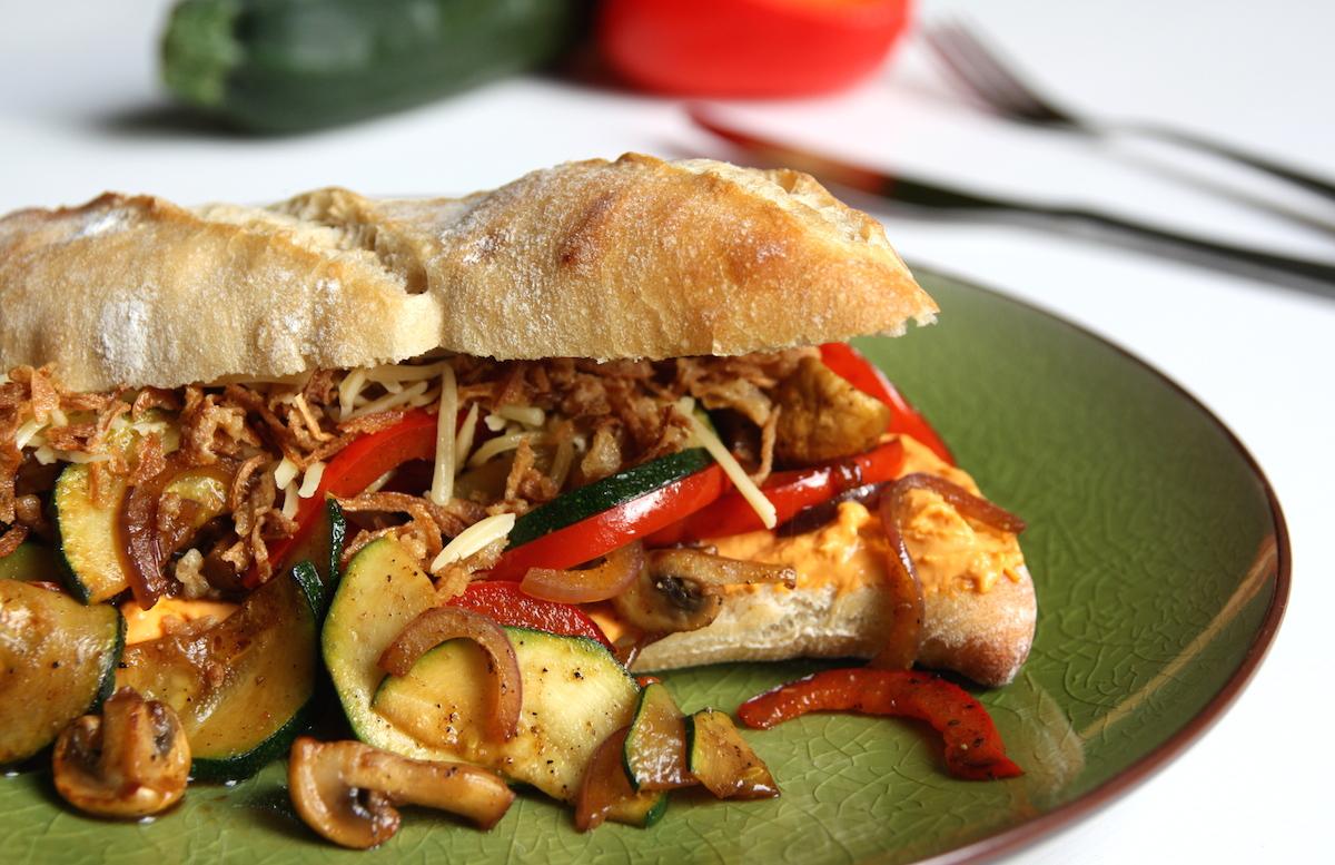 Broodje humus met gegrilde groenten EEFSFOOD