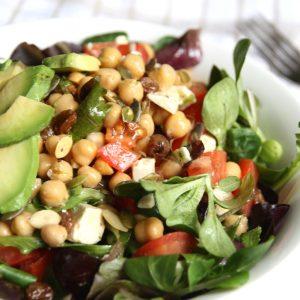 Salade van kikkererwten, feta en avocado EEFSFOOD