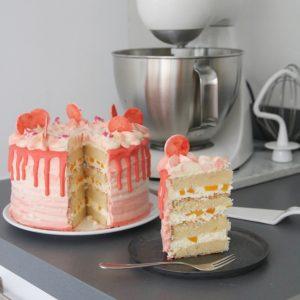 Vanille-perziktaart met witte chocolade-limoen botercrème