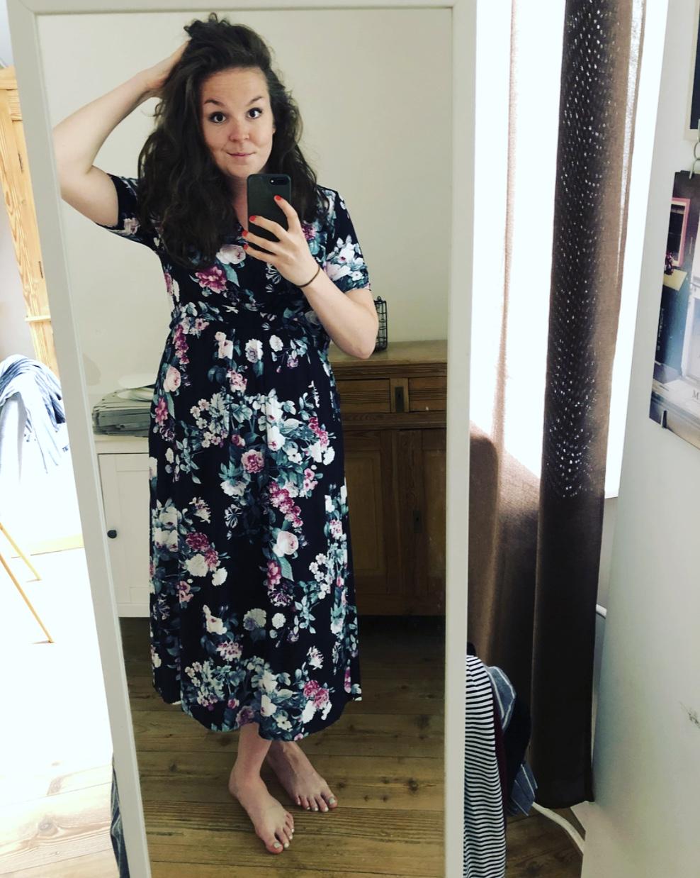 Nieuwe jurk poseren