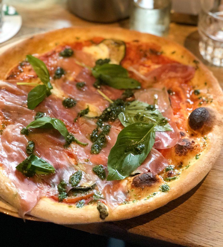 Pizza proscuitto CH