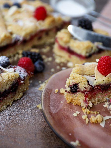 Plaatkoek met rood fruit (vegan)