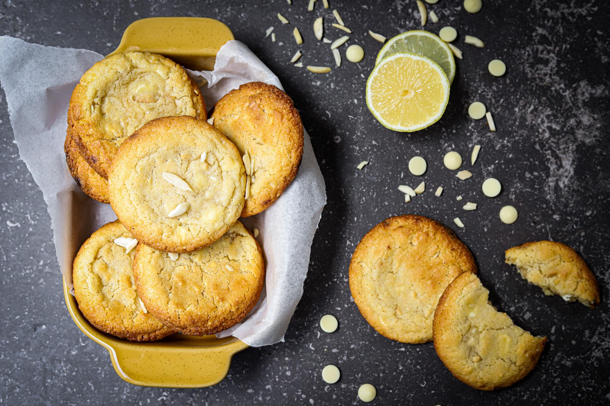 Amandel koeken met citroen en witte chocolade