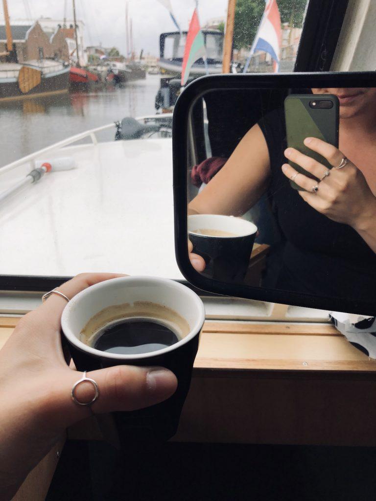 Koffie in boot Amersfoort