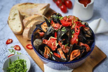 Pittige mosselen met tomaat en chorizo