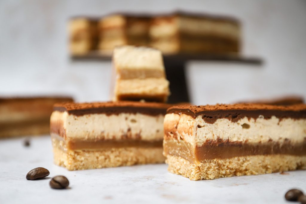 Tiramisu shortbread bars